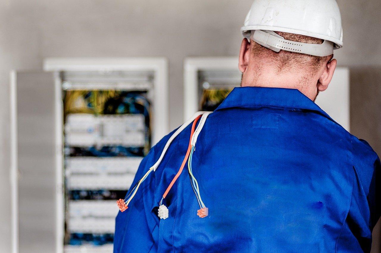 electricistas en Algatocín