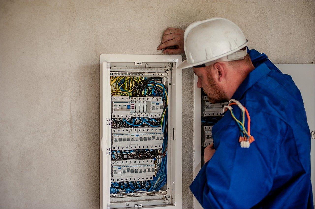 electricistas en Ojén