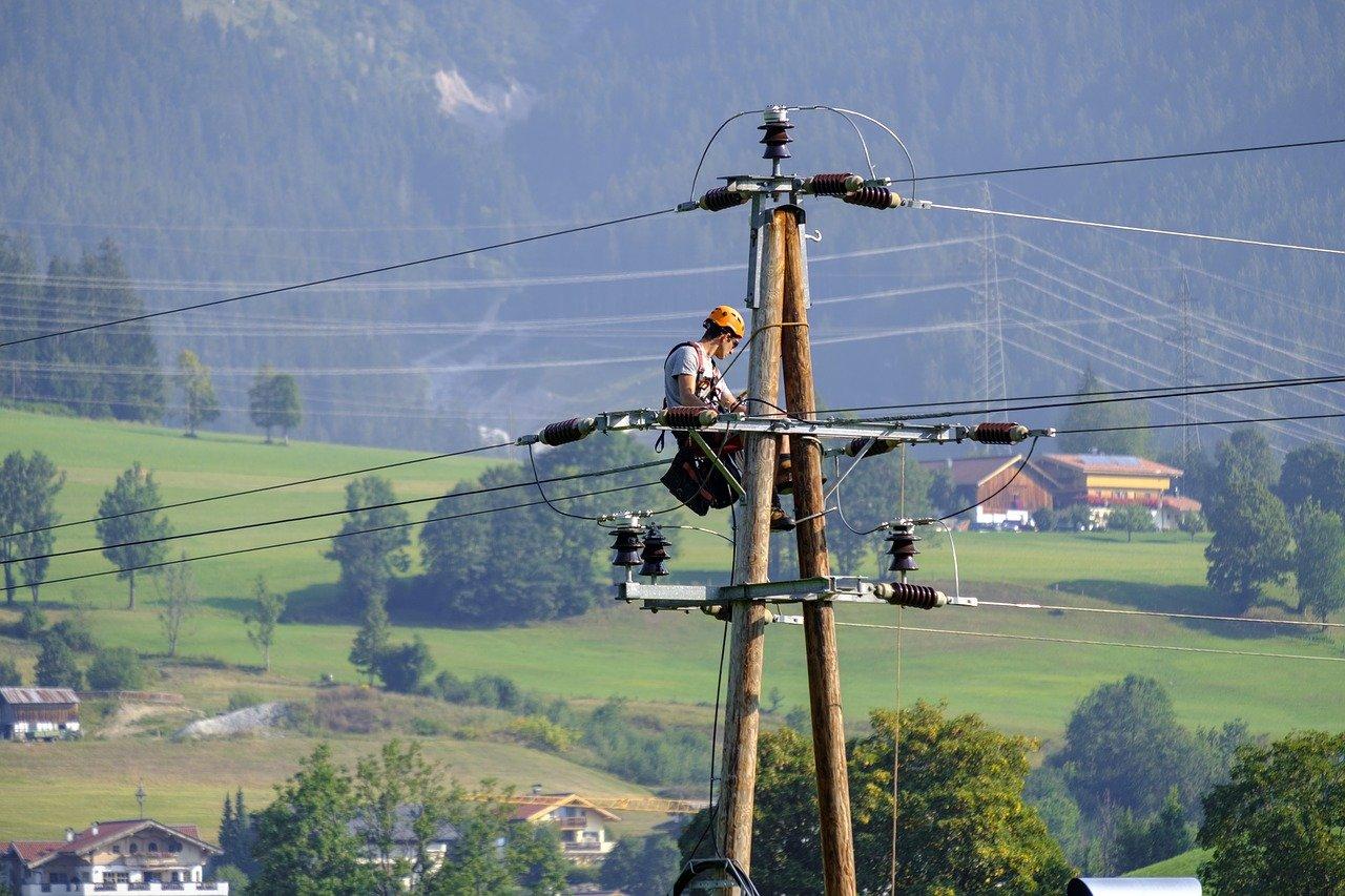 electricistas en Periana